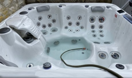 MH-SERVICE Installation de jacuzzi spa Dijon
